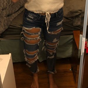 American Eagle Hi Rise Distressed Jeans